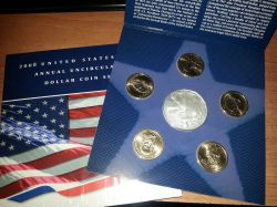 Набор монет США 2008 год United States Mint Annual Uncirculated Dollar Coin Set