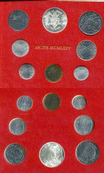 Набор монет Ватикана 1975 год